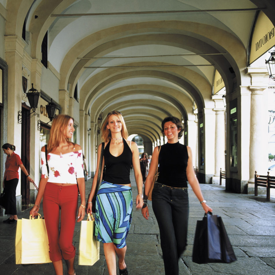 SHOPPING & FASHION IN ITALY
