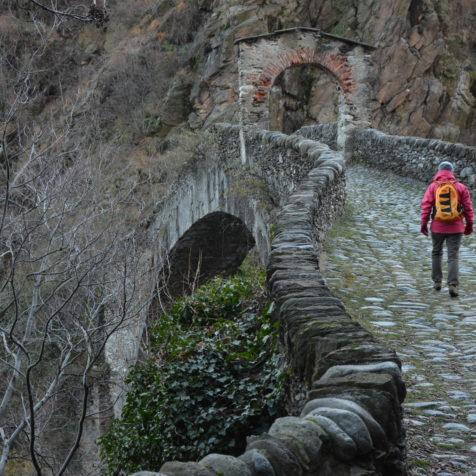 BLACK AND WHITE MAGIC TURIN, SPECIAL TOUR Ponte del Diavolo a Lanzo Torinese